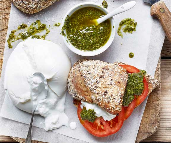 Pesto-Burrata-Panini
