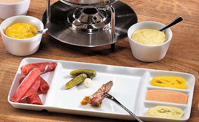 feine fondues zum fest chinoise co betty bossi. Black Bedroom Furniture Sets. Home Design Ideas