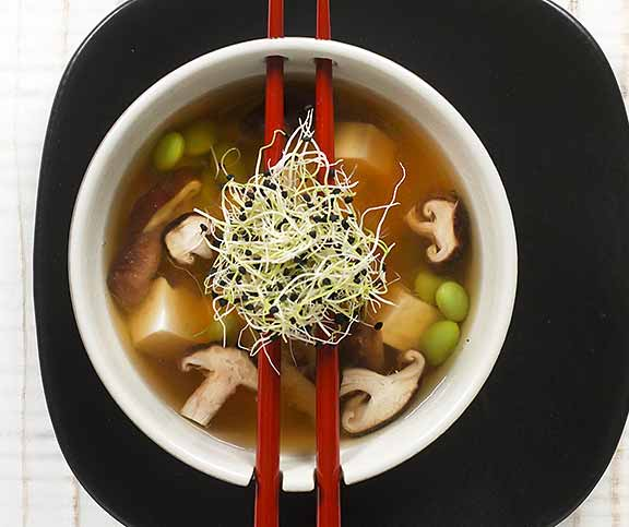 miso suppe mit edamame betty bossi. Black Bedroom Furniture Sets. Home Design Ideas