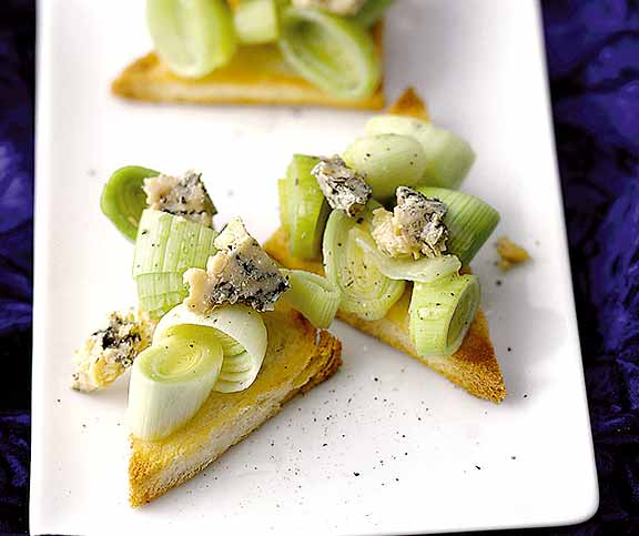 Lauch-Stilton-Toasts