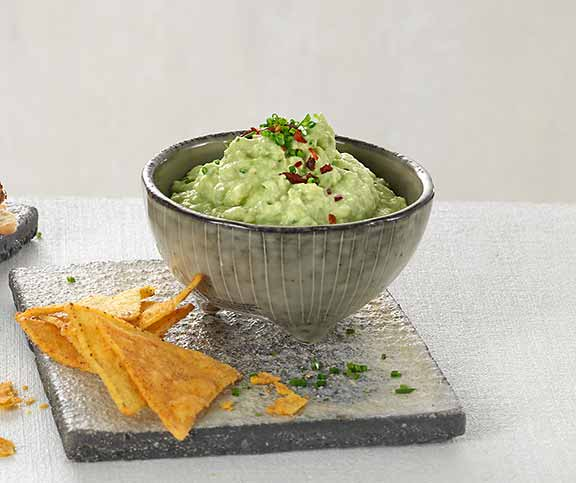 avocadocreme mit tortilla chips betty bossi. Black Bedroom Furniture Sets. Home Design Ideas