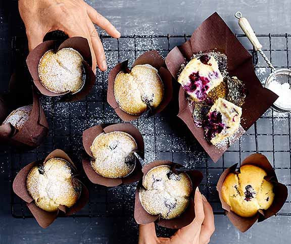 heidelbeer muffins betty bossi. Black Bedroom Furniture Sets. Home Design Ideas